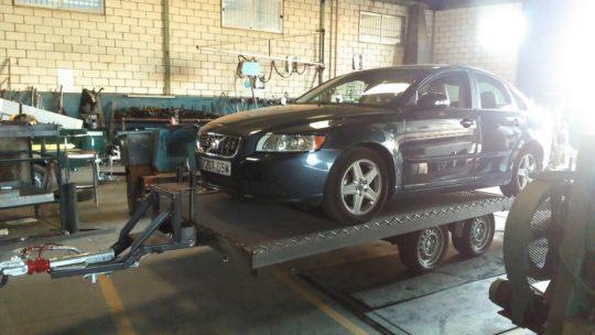 Remolques ruedas bajo chasis (9)